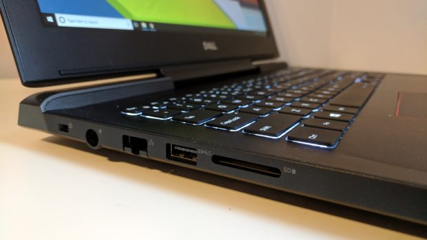 Dell Inspiron 15 7000 Gaming left side