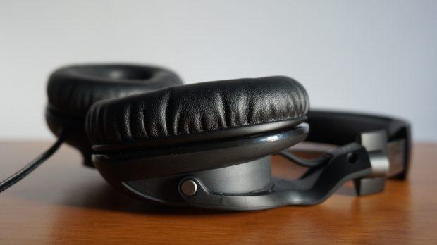Roccat Khan Pro ear cups