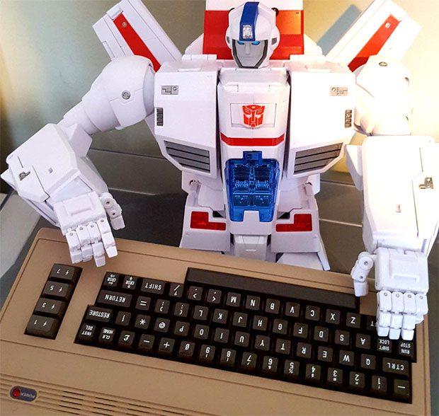 c64-mini-size