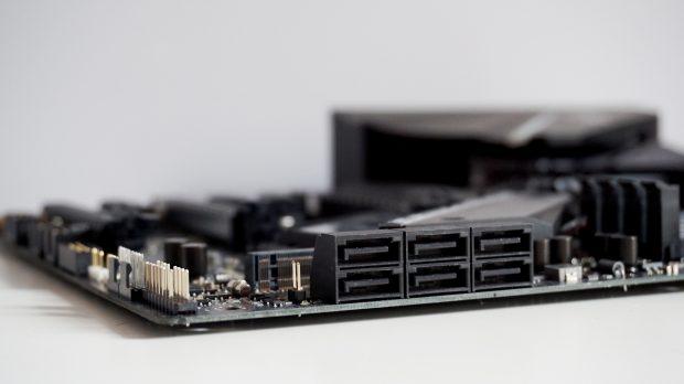 Asus ROG Strix X470F-Gaming SATA