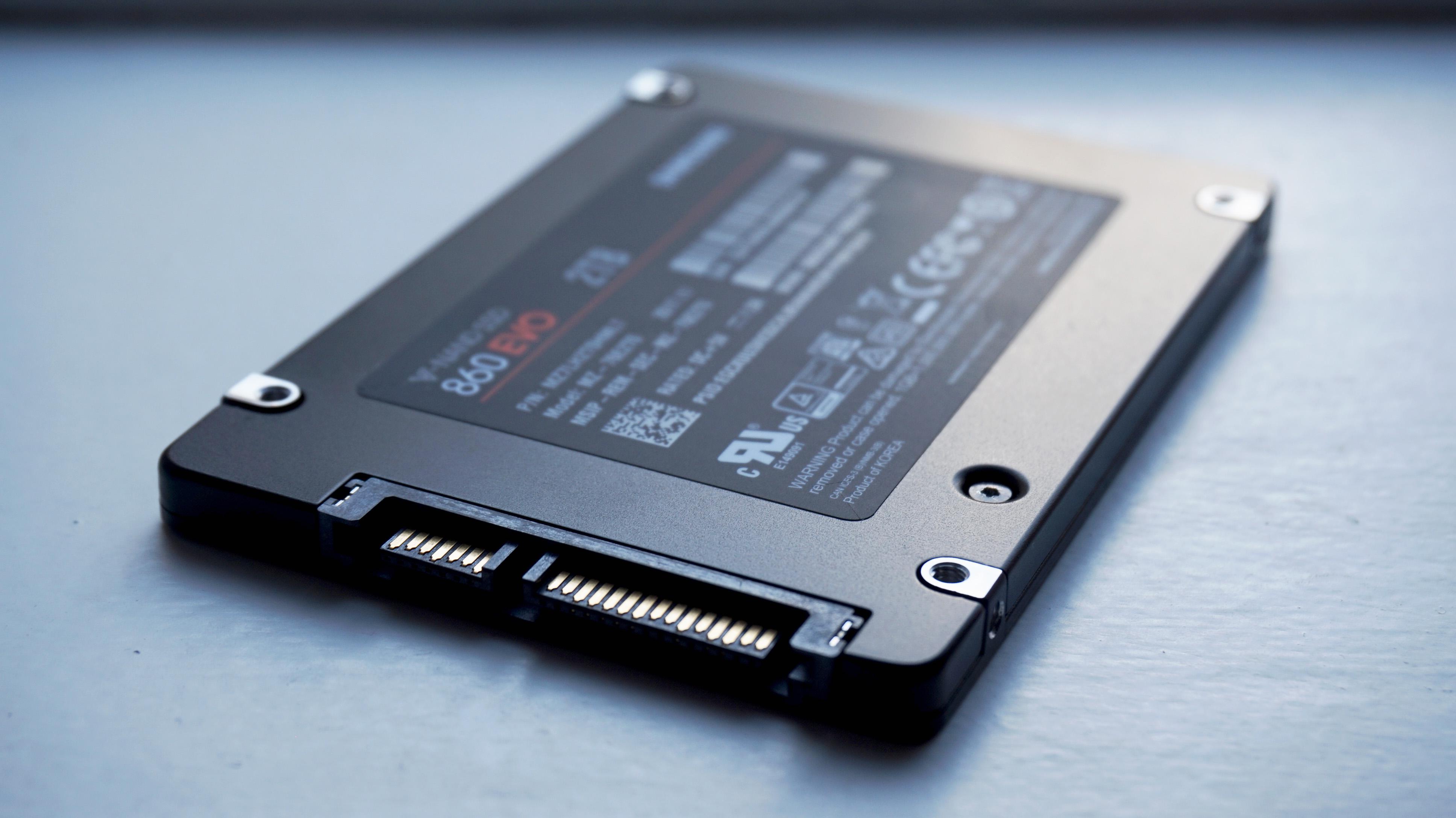 Samsung 860 Evo - best gaming SSD 2020