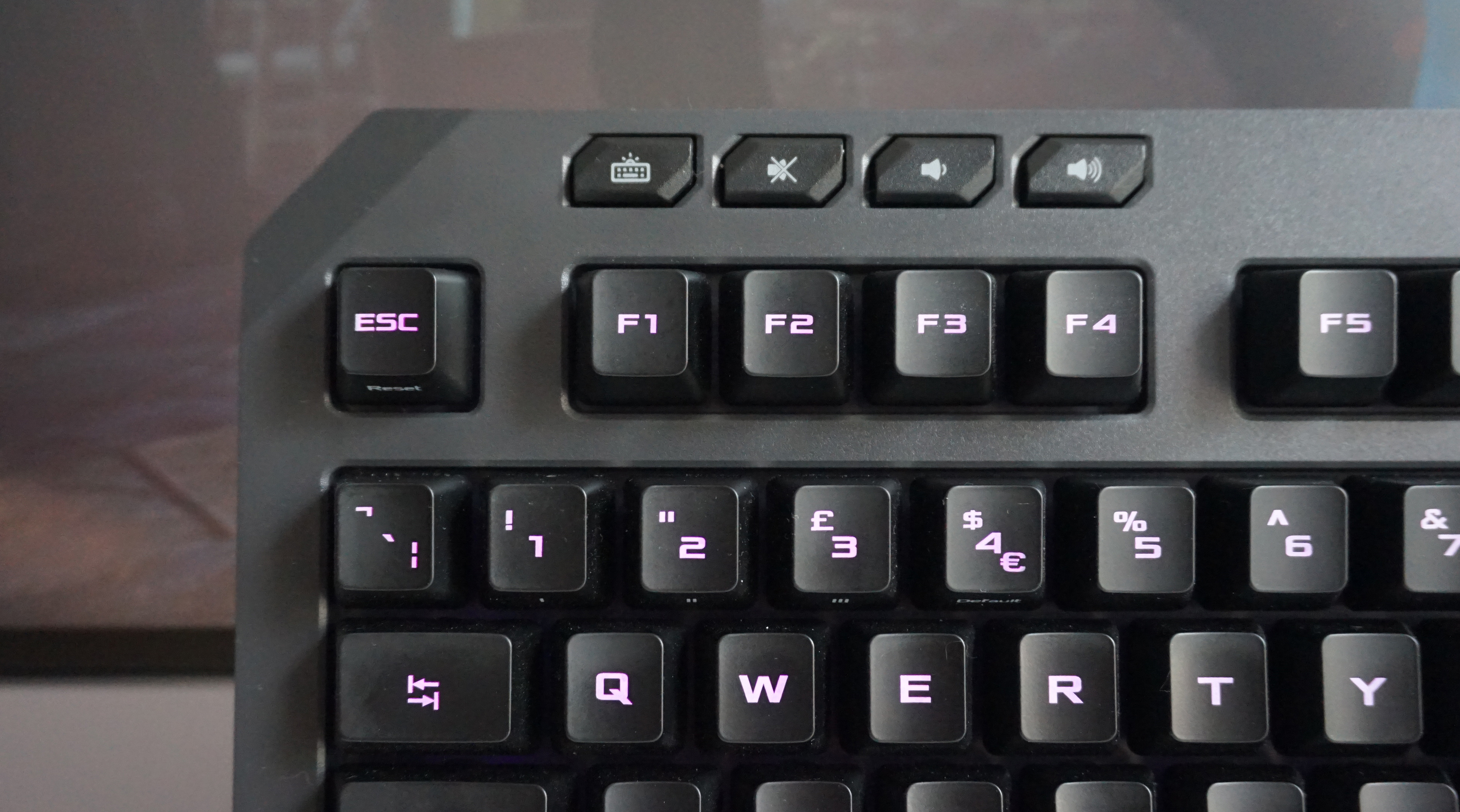 fb6c0d9fee3 The K5 comes with a decent number of extra features, too, including  dedicated volume keys and a button to change the brightness of its RGB  lighting (or turn ...