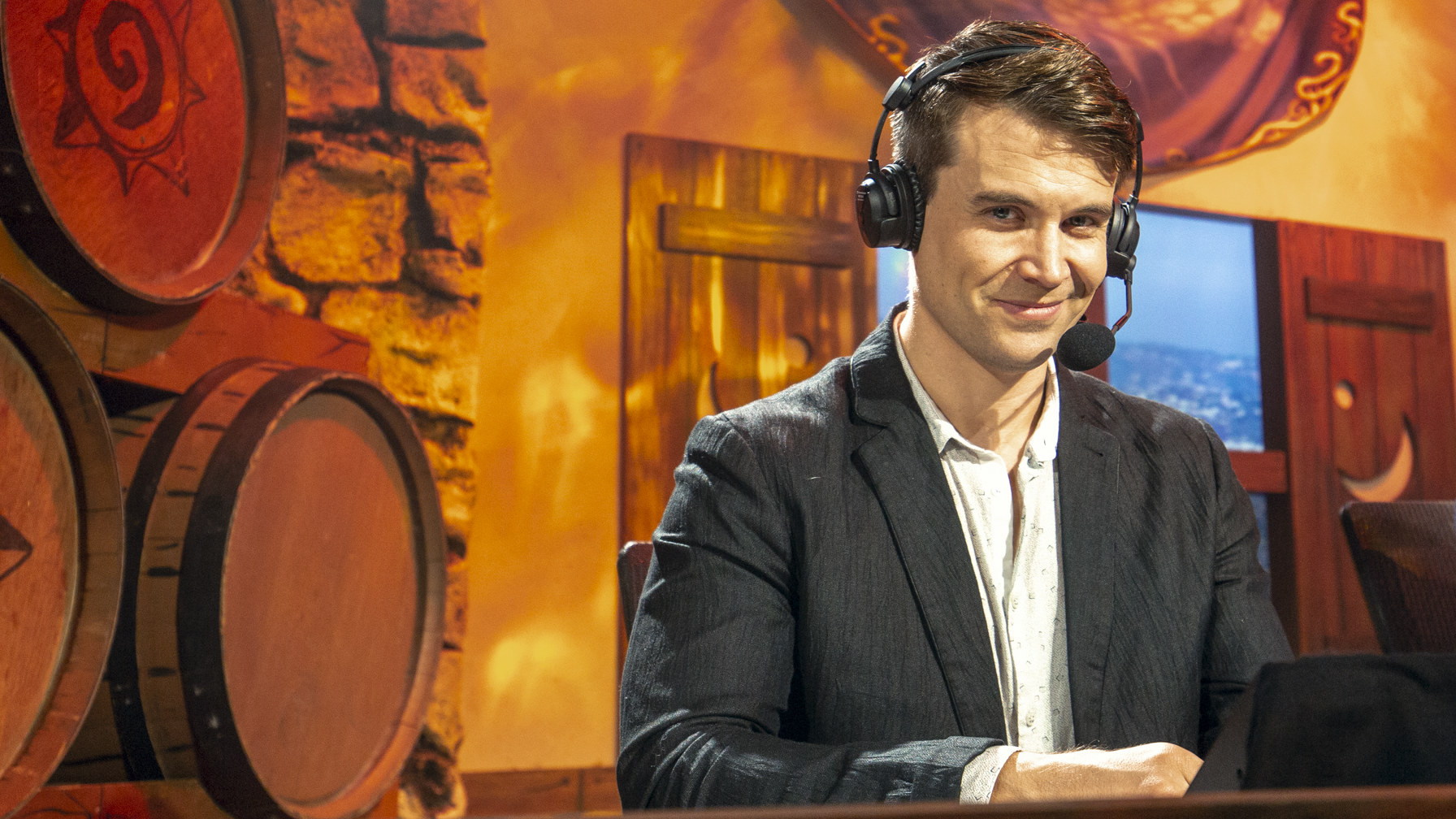 Veteran Hearthstone commentator quits Grandmasters over ban