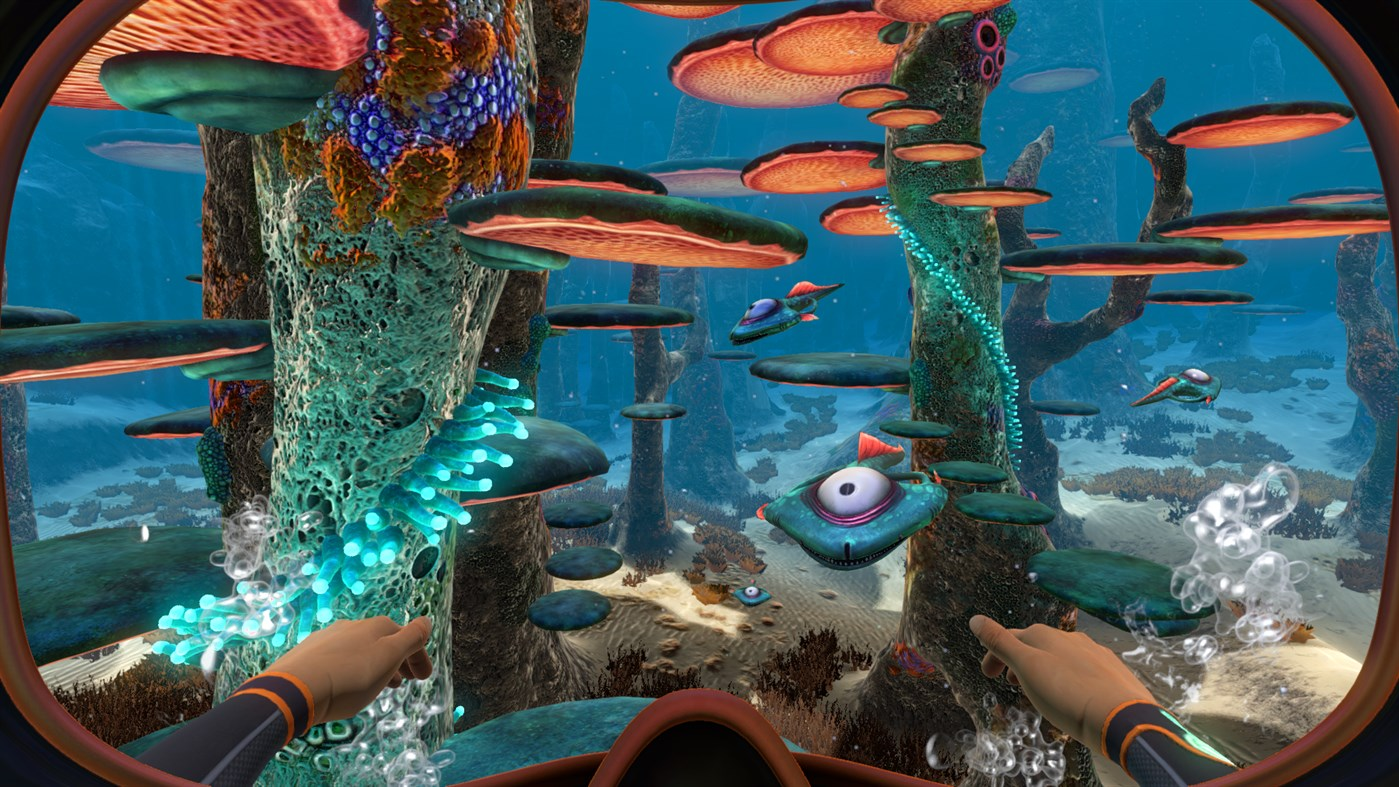 A screenshot showing the alien, underwater flora and fauna of Subnautica.