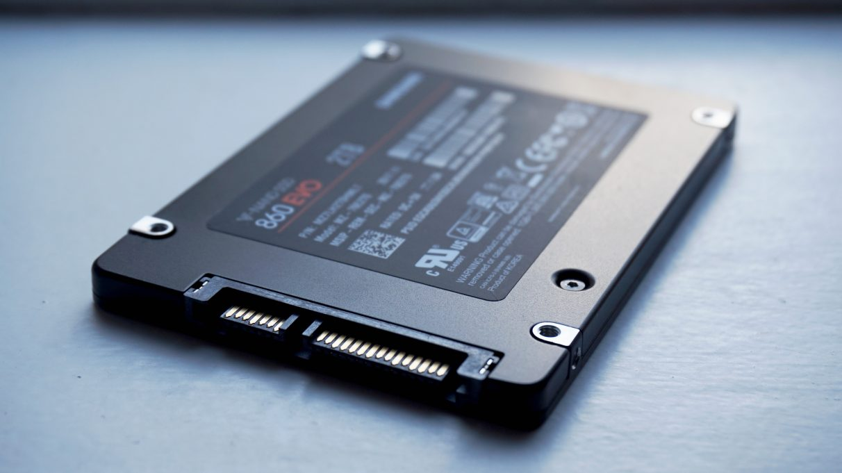 A photo of the Samsung 860 Evo SSD