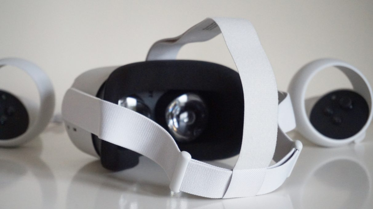 A photo of the Oculus Quest 2 from behind, showing its adjustable head strap.