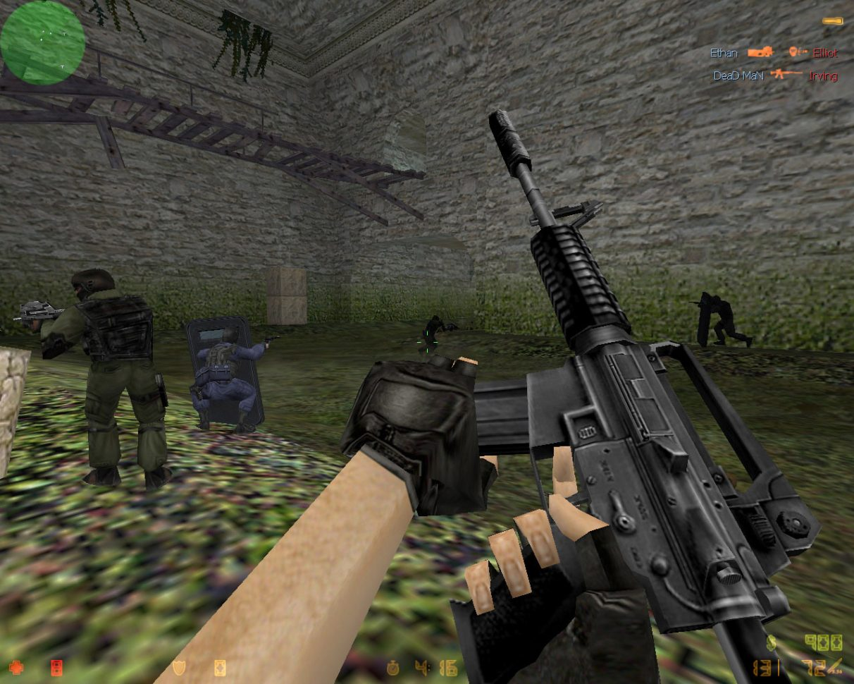 CT forces in a vintage Counter-Strike screenshot.