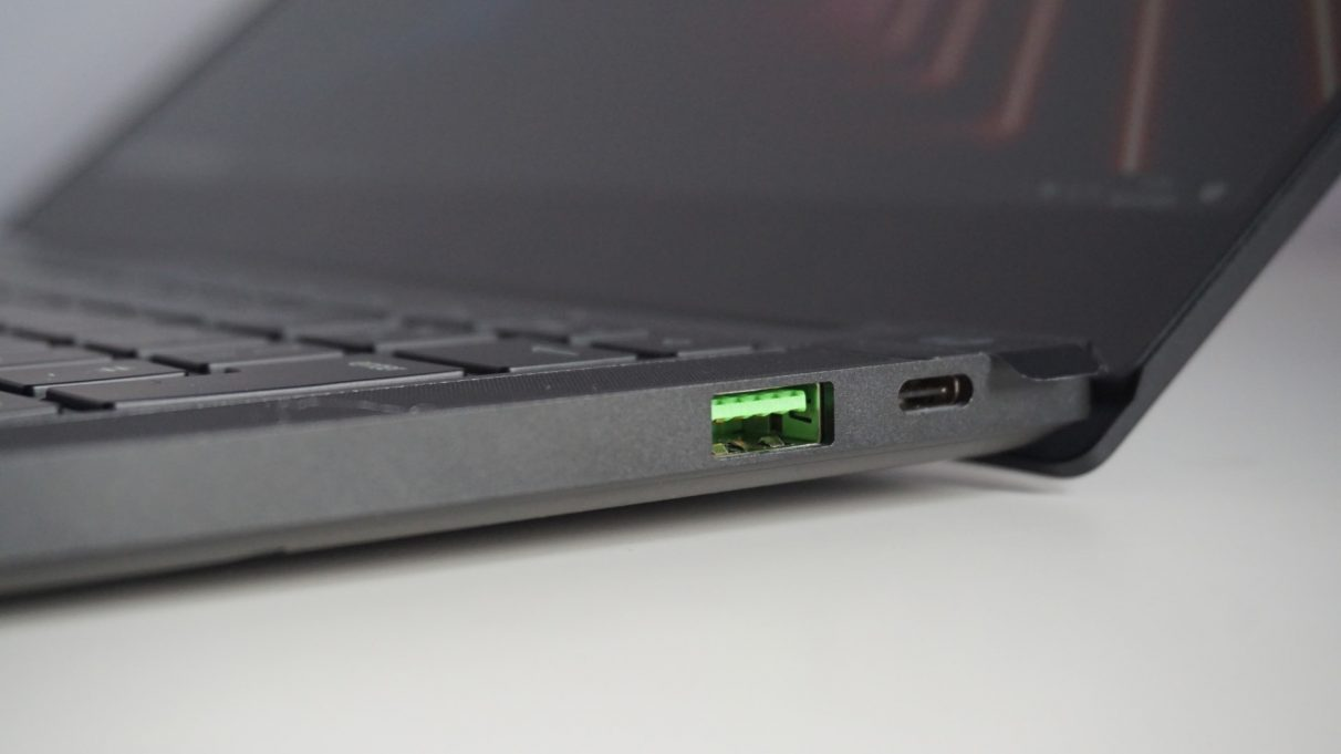 A photo of the Razer Blade Stealth 13 Late 2020 gaming laptop's right Thunderbolt 4 port and USB3 port.