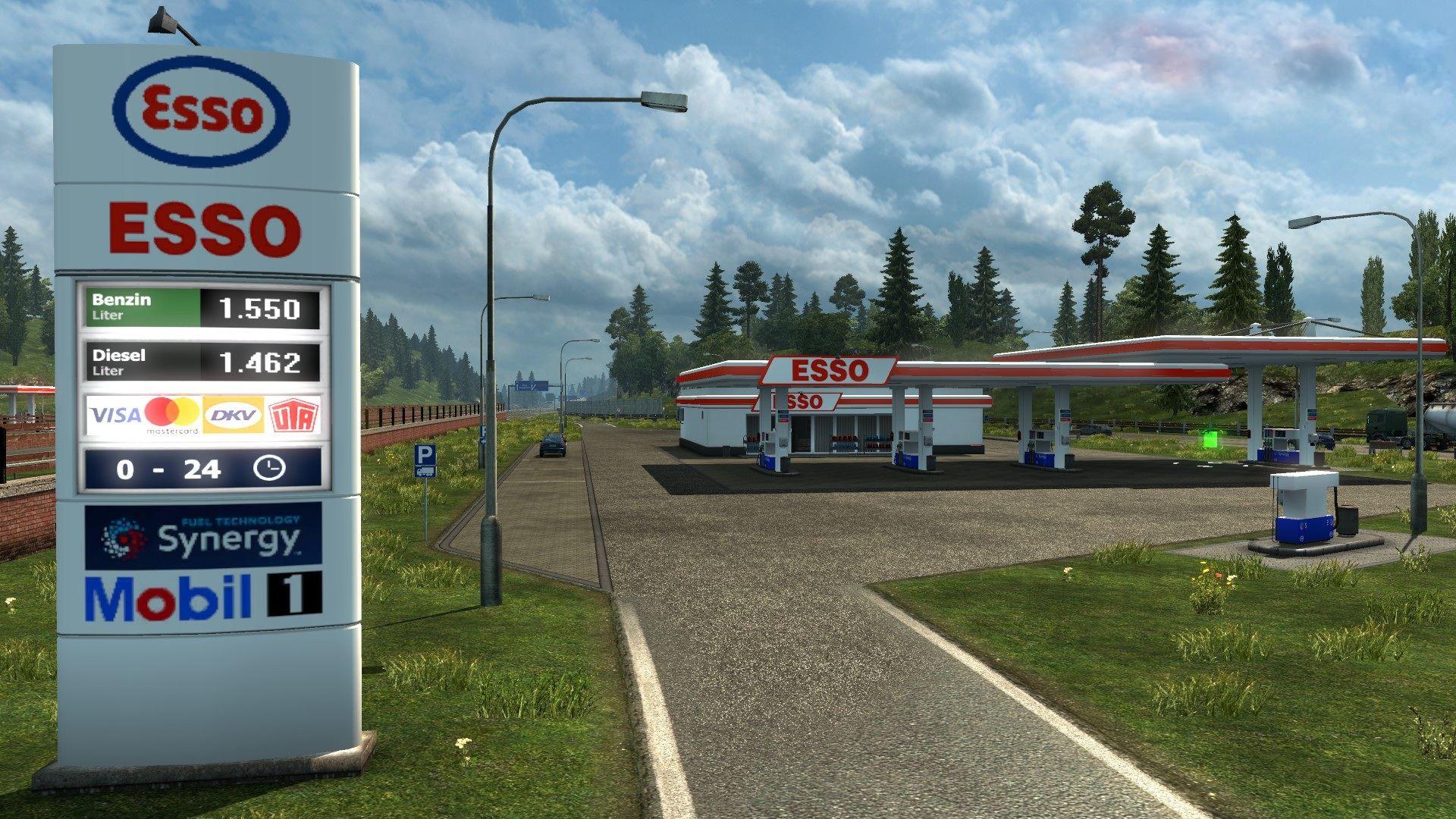 Tangkapan layar Euro Truck Sim 2 yang menunjukkan halaman depan garasi bermerek Esso