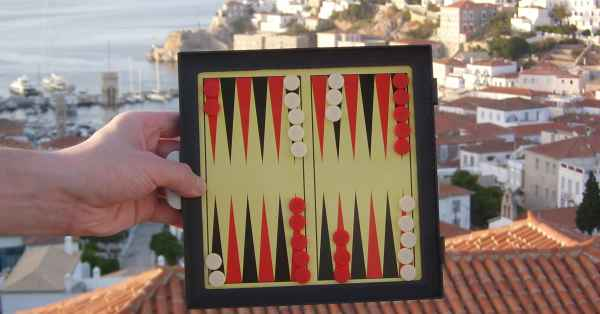 The joy of magnetic backgammon. It's magnetic.