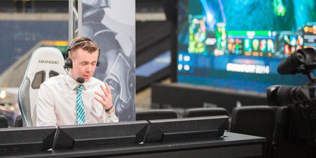 Cap casting at ESL One Frankfurt 2014